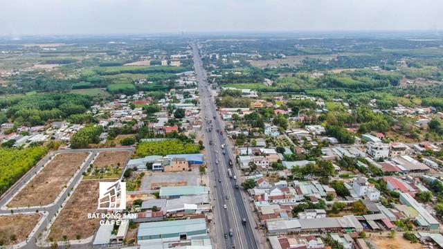 """Con đường """"vàng"""" kết nối trực tiếp TPHCM đến Long Thành, Nhơn Trạch đang được nhiều cò đất """"làm mưa, làm gió""""."""