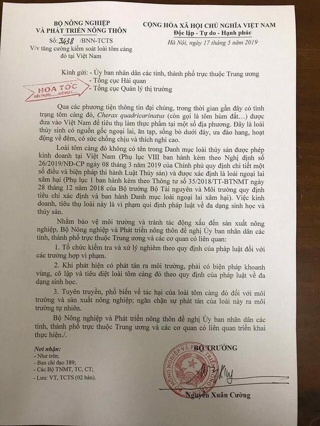 Bộ trưởng Bộ Nông nghiệp và Phát triển nông thôn Nguyễn Xuân Cường đã ký công văn hỏa tốc số 3438 gửi UBND các tỉnh, thành phố trực thuộc Trung ương, Tổng cục Hải quan, Tổng cục Quản lý thị trường về việc tăng cường kiểm soát loài tôm càng đỏ tại Việt Nam.