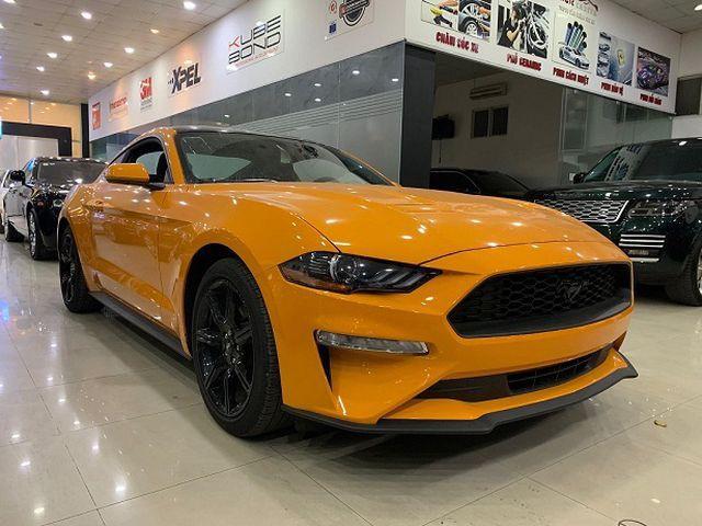 Sau khi gành các loại thuế phí chiếc Mustang 2.3 Ecoboots có giá tăng từ 30.000 USD lên đến 130.000 USD.