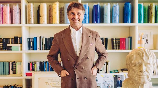 Nhà thiết kế thời trang cao cấp người Ý Brunello Cucinelli.