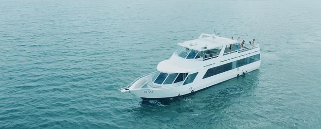 """Con thuyền bị chê là """"quê và kém sang"""" từ MV """"Hãy trao cho anh"""" vừa ra mắt của Sơn Tùng MT-P"""