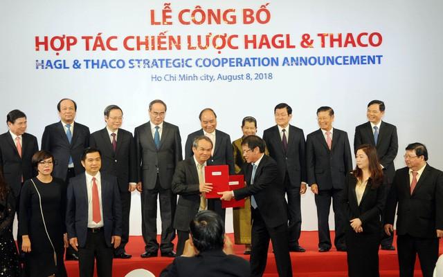 Lễ công bố hợp tác chiến lược giữa HAGL-THACO vào ngày 8/8/2018.