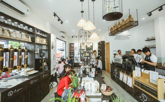 Cửa hàng Trung Nguyên E-Coffee với hệ sản phẩm cà phê năng lượng khác biệt và thiết kế kiến trúc đặc biệt thích hợp cho mọi đối tác hợp tác đầu tư