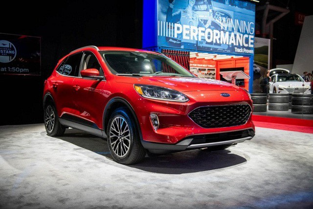 Ford Escape 2020 sắp ra mắt tại thị trường Việt