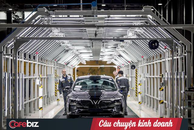 Xe ô tô Vinfast trong nhà máy sản xuất của tập đoàn Vingroup.