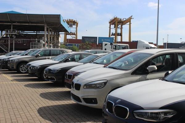 Công nghiệp ô tô sẽ chịu sự cạnh tranh gay gắt của xe nhập khẩu.