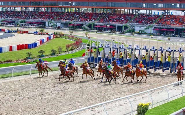 Giải đua ngựa đầu tiên sẽ được khởi tranh vào tháng 10/2020 - Đúng vào dịp chào mừng Đại hội Đảng bộ Thành phố Hà Nội lần thứ 17 và kỷ niệm 1010 năm Thăng Long - Hà Nội.