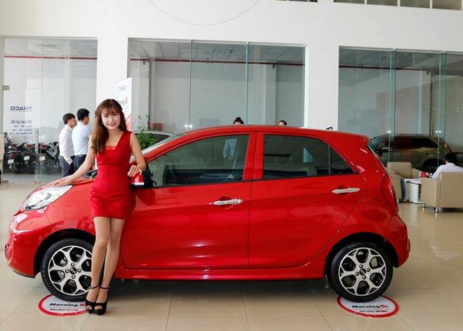 Những mẫu ô tô cỡ nhỏ giá rẻ được nhập khẩu vào Việt Nam ngày càng nhiều.