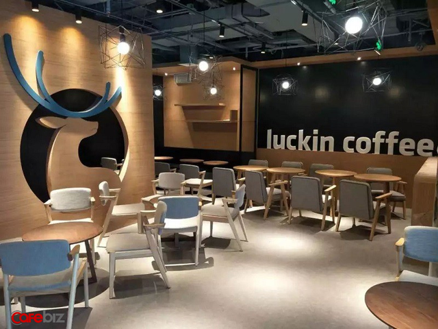 Một góc cửa hàng Luckin Coffee.