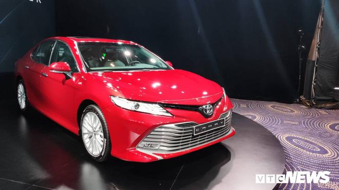 Sự ra mắt của các phiên bản mới cũng là một trong những nguyên nhân khiến giá xe giảm sâu.