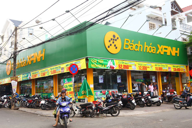 Cửa hàng nằm ở vị trí tiện lợi với hai mặt tiền
