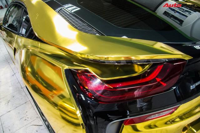 Bộ cửa cánh bướm độc đáo không kém nhiều mẫu siêu xe như McLaren.