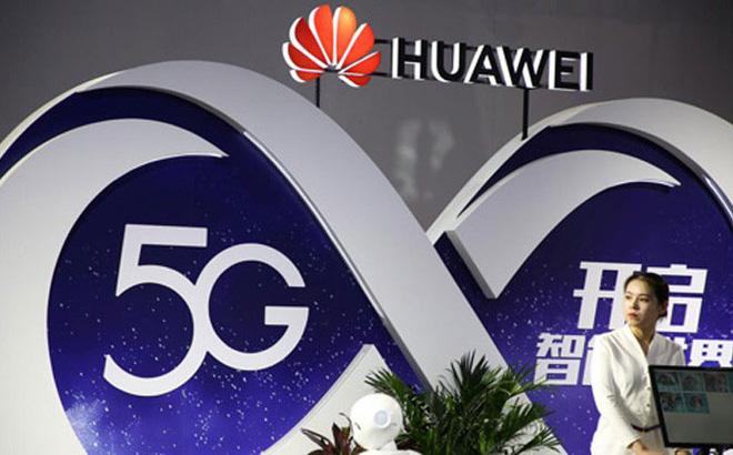 Bốt quảng cáo công nghệ 5G của Huawei tại một hội chợ ở Bắc Kinh, Trung Quốc hồi tháng 9/2018. (Ảnh: Reuters)