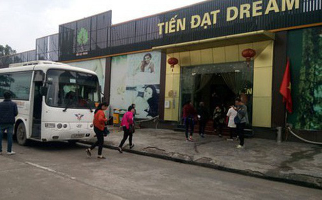 Một điểm bán hàng tour 0 đồng cho du khách Trung Quốc tại TP Hạ Long