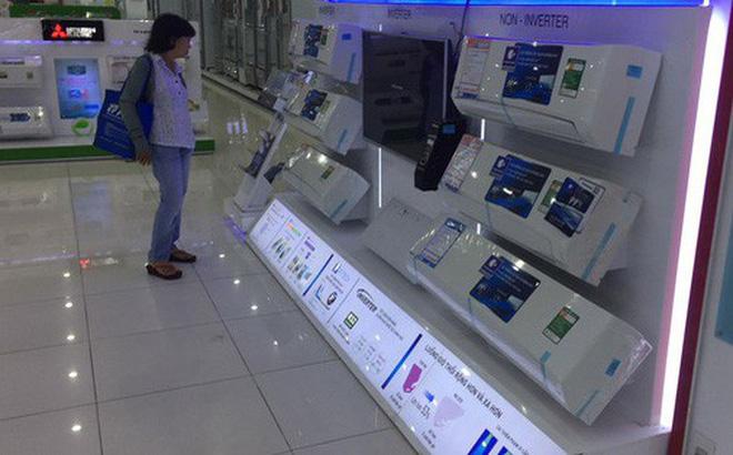 Khu vực bán máy lạnh ở siêu thị điện máy vắng vẻ dù đang vào mùa nóng