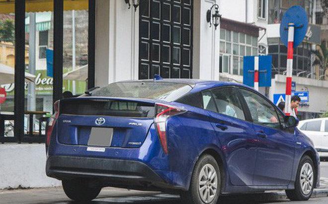 Ô tô điện và hybrid còn khá xa xỉ tại Việt Nam.