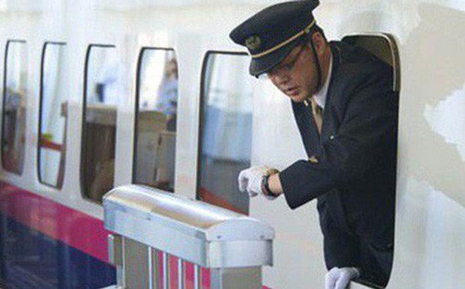 Công ty Đường sắt JR-West đã hứng chịu làn sóng chỉ trích vì một chuyến tàu của họ rời ga sớm 25 giây Ảnh: SHUTTERSTOCK