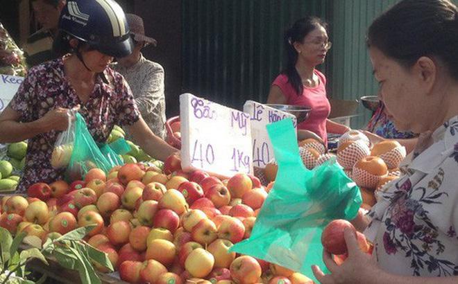 Nhiều tiểu thương kinh doanh trái cây nhập khẩu khẳng định, đây là táo Trung Quốc đội lốt Mỹ