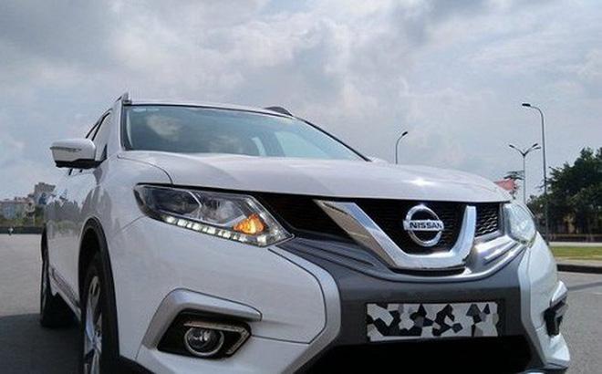 Một số đại lý Nissan tại Hà Nội đang áp dụng chương trình khuyến mại, thanh lý giảm giá 150 triệu đồng đối với mẫu X-Trail bản cao cấp nhất (2.5 SV Luxury) đời 2018.