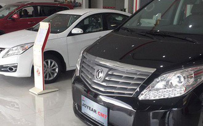 Những mẫu xe Trung Quốc được trưng bày tại một showroom ở TP HCM