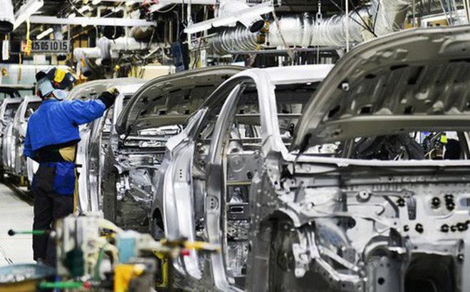 Nhiều hãng xe giảm sản xuất trong nước, tăng nhập khẩu