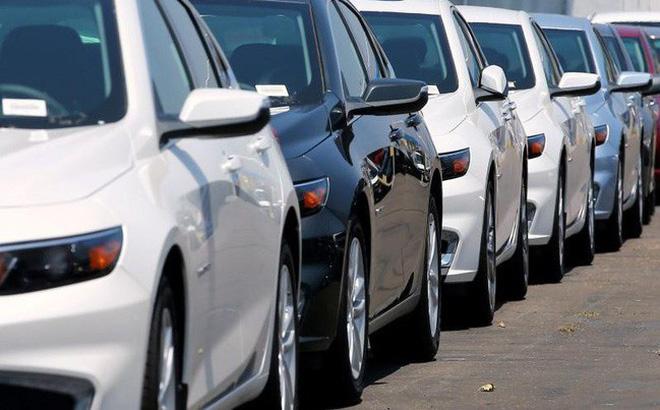 Bước sang tháng 10, thị trường ô tô liên tiếp giảm giá chưa từng có.