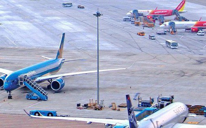 Nội Bài, Tân Sơn Nhất và các cảng hàng không lớn khác đang bị quá tải về điểm đỗ tàu bay.