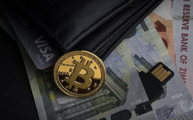 Giá Bitcoin đang được dự báo sẽ tiếp tục lao dốc. (Ảnh: unsplash)