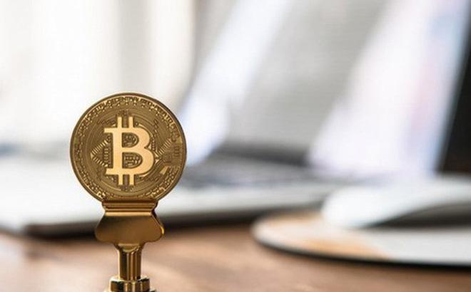 Bitcoin sẽ lên 8.000 USD hay giảm xuống mức thấp nhất mọi thời đại 3.000 USD? (Ảnh: Unsplash)