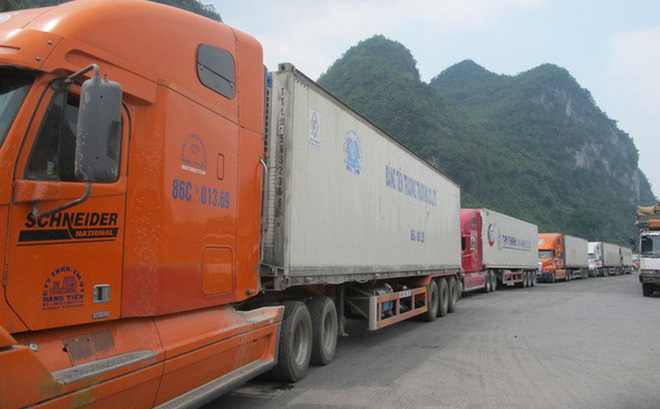 Nông sản bị ùn ứ ở các cửa khẩu tại Lạng Sơn đã bắt đầu được xuất sang Trung Quốc qua cửa khẩu Hữu Nghị từ chiều ngày 5-2