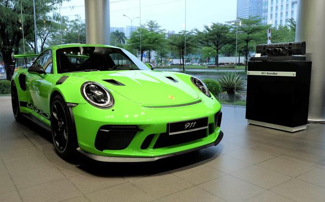 911 GT3 RS đời 2019 có mức tiêu hao nhiên liệu trung bình là 12,8 lít/100 km.