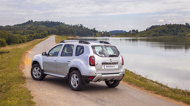 Có 2 tùy chọn là động cơ xăng 1,5 lít và động cơ diesel 1,5 lít, hộp số sàn 5 cấp hoặc CVT và số sàn 6 cấp hoặc AMT.