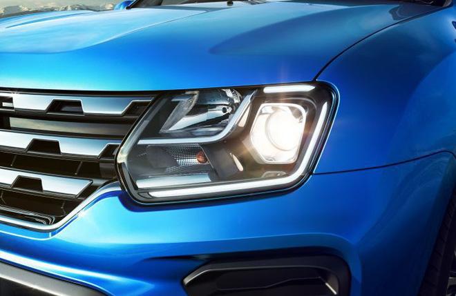 Xe được trang bị đèn pha (đén LED) mới.