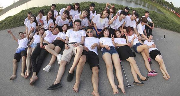 Sinh viên lớp KT46 trường ĐH Tài chính – Quản trị kinh doanh (Ảnh minh họa: Dân trí)