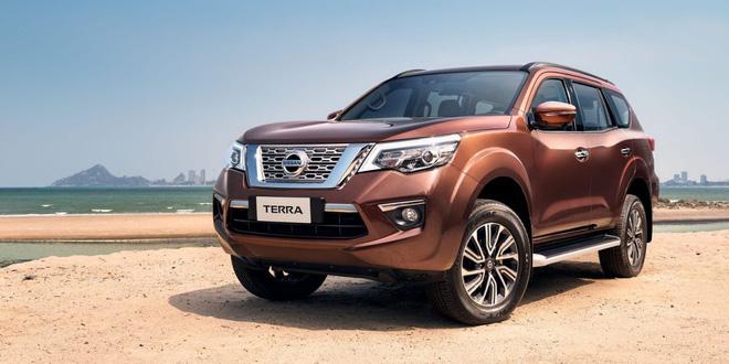 Nissan Terra giảm giá sâu nhân dịp nghỉ lễ 30/4 và 1/5.