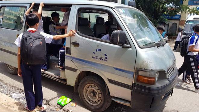 Dịch vụ xe đưa đón trẻ đi học nở rộ và được nhiều phụ huynh lựa chọn vì tiện lợi.